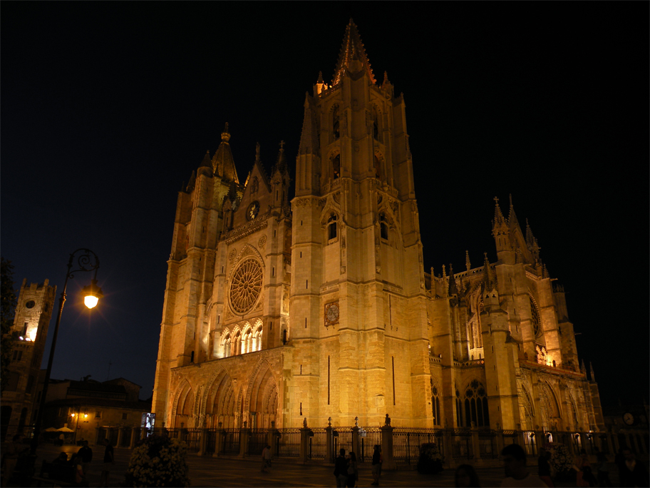 The cathedral by night