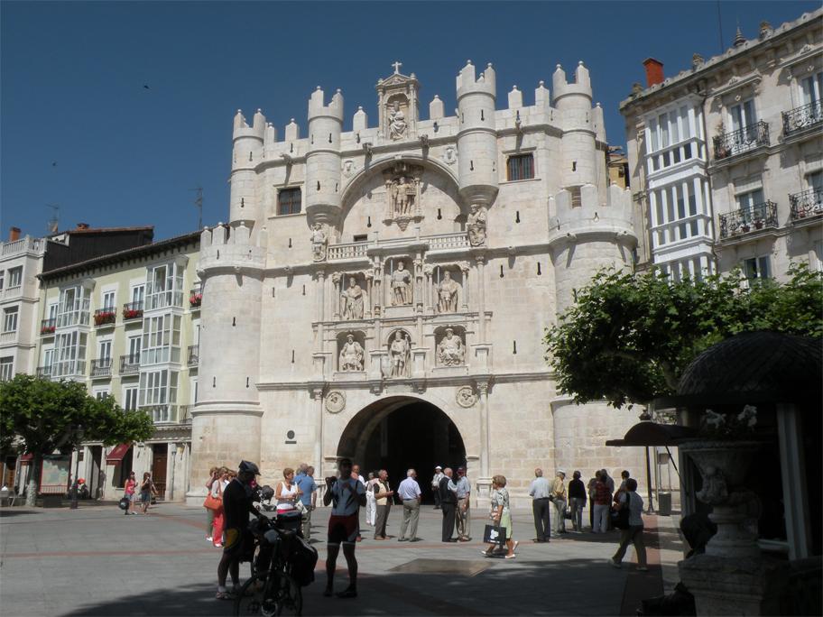 The 14th-century Puerta de Santa María, on the banks of the Arlanzón