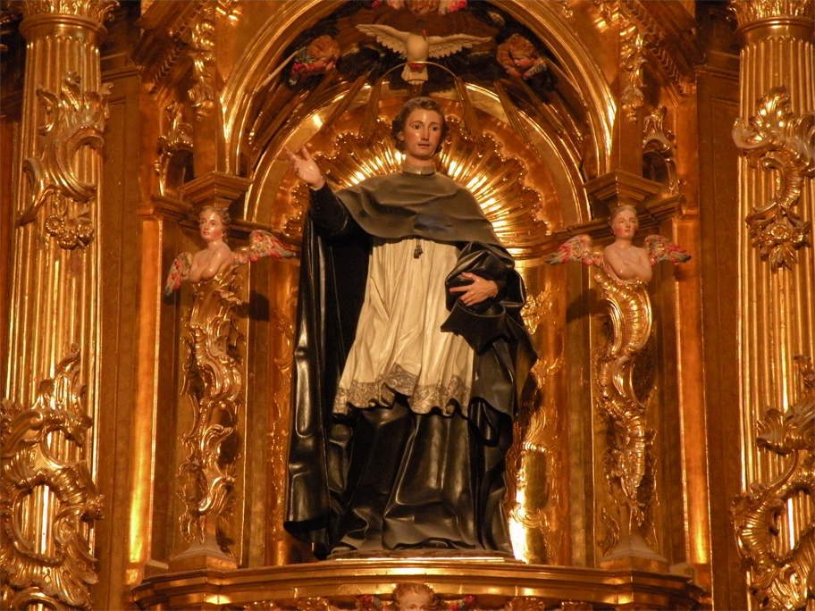 Gilded woodwork in the Chapel of St. John of Sahagún
