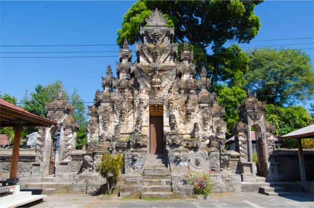 The 'kori agung' front gate, Pura Dalem Jagaraga