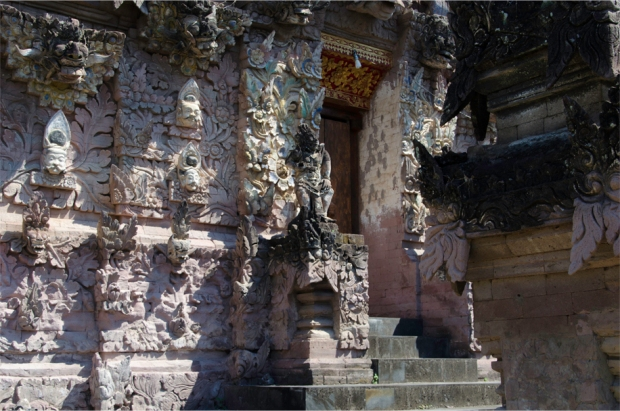 The temple is known for its rich sculptures in pink sandstone
