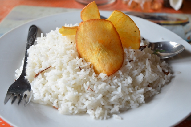 Cinnamon rice topped with cassava chips, Galle