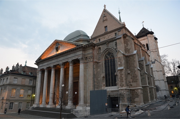 The eclectic west front of St. Pierre Cathedral