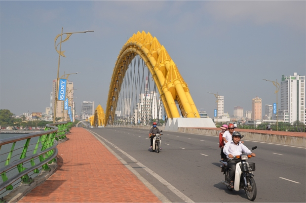 The scales of the Dragon Bridge, Da Nang's latest icon