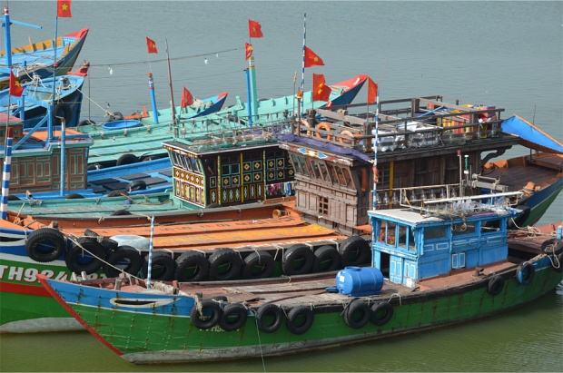 Colorful boats tied up on the Han River